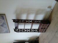 unit/wall mounted shelves