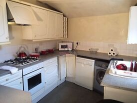 loving modern house share available for students at university