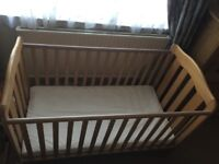 Child/ baby cotbed including mattress