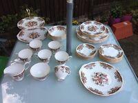 """Porcelain Bone China Colclough 8525 """"ROYALE PATTERN"""" 41 Pieces"""