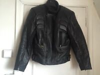 Mans size 42 black leather motorcycle/motorbike jacket with Kevlar used but great condition