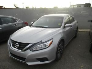 2016 Nissan Altima 2.5 SV | Heated Seats | Sunroof| Back UP Came