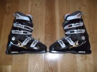SALOMON PERFORMA SKI BOOT IN VERY GOOD CONDITION - UK SIZE 7.5