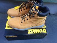 Dewalt size 10 boots