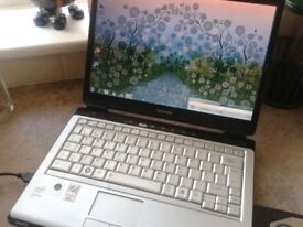 "LAPTOP TOSHIBA , 12"" SCREEN,2GB RAM,WIFI,FRESH WINDOWS 7/OFFICE 2010,CASE,CHARGER,FREE DELIVERY"
