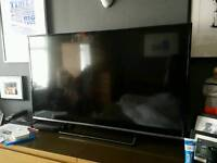Panasonic 49DS500B 49 inch HD-Ready Smart LED TV 1 Month old with new tv wall bracket