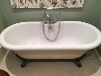 Beautiful freestanding roll top bath