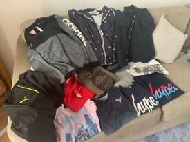 Bundle of mix clothes