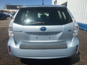 2012 Toyota Prius V HYBRID *BLUETOOTH* Kitchener / Waterloo Kitchener Area image 4