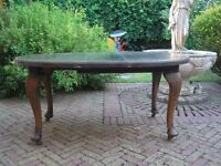 OLD ANTIQUE 19TH CENTURY OVAL EXTENDING DINING TABLE WITH EXTENSION LEAF AND WINDING HANDLE