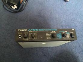 Roland JV1010 Synth