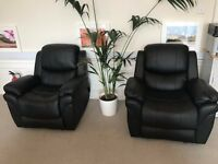 """2 Almost New """"Lazy Boy"""" Leather Recliner Armchairs"""