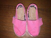 TOMS bubblegum pink canvas Tiny TOMS Classics S6