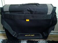 For sale targus 17in laptop case