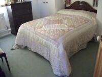 King Size Bedspread / Cream and Gold