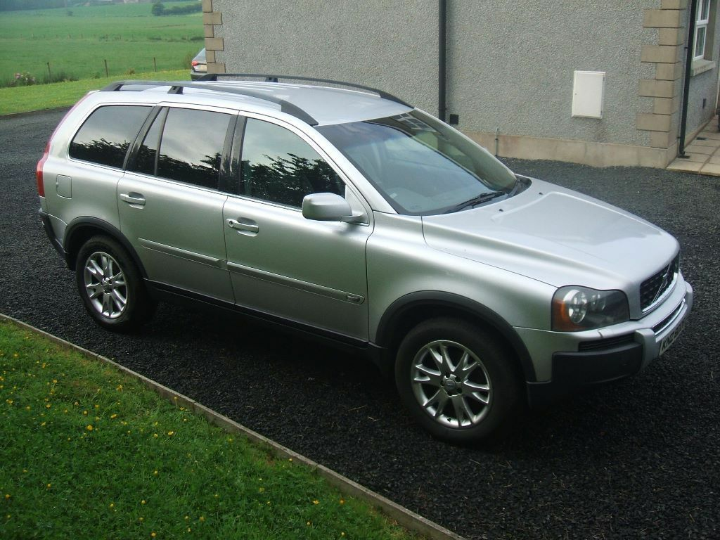2004 volvo xc90 d5 se awd auto 4x4 silver black leather 7. Black Bedroom Furniture Sets. Home Design Ideas