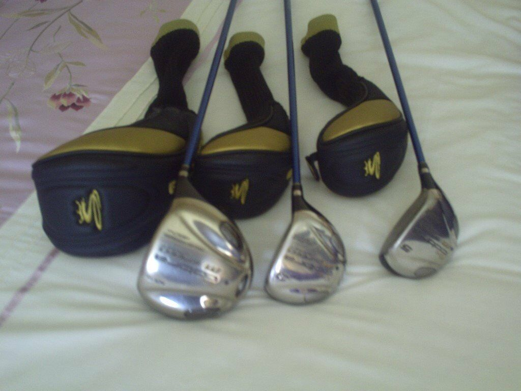 Cobra Metal Woods, graphite shaftin Caerleon, NewportGumtree - Cobra M Speed Offset 9 degree Driver Right hand Cobra M Speed 15 degree Fairway 3 wood Right hand Cobra M Speed 18 degree Fairway 5 wood Right Hand All Graphite shaft Regular flex, all with matching head covers. Hardly used due to arthritis. Can...
