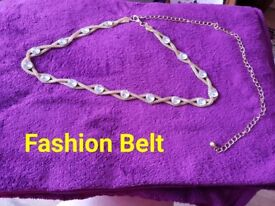 Large Amount of Fashion Jewellery available (3)