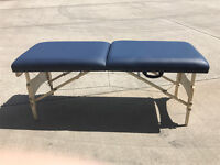 MASTER MASSAGE PORTABLE TABLE WITH AUTO LOCK LEGS
