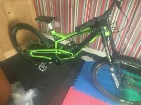 Yt full carbon downhill bike