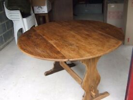 Circular Oak Drop Leaf Table