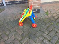Chicco baby walker perfect as new with the phone can deliver if local call07812980350