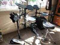 Yamaha DTX522K Electronic Digital Drum Kit with all accessories and Carlsbro EDA50 Drum Monitor