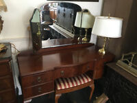 Superb Vintage Mahogany Queen Anne Dressing Table, Bevelled Triptych Mirror and Matching Stool