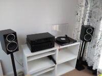 Wharfedale diamond 220 speakers. Mint condition
