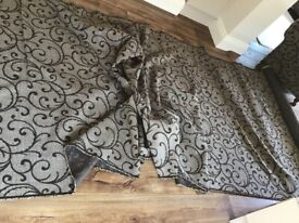 9 metres of upholstery fabric