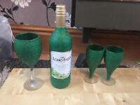 Glitter glasses and wine