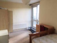 Double Room with Balcony in Bethnalgreen, Milend, London (Close to Shoreditch)