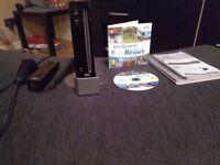 Black Nintendo Wii - Great Condition