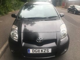 Toyota Yaris 1.0vvt spirit SATNAV 6 maindealer stamps 2 owners MOT Oct 2018 2 keys parking sensors