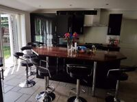 LOVELY EN-SUITE DOUBLE ROOM FOR RENT ALL BILLS INCLUDED-CHARMINSTER