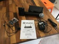 Skytec wireless hand held and head mic