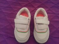 TODDLER BOYS WHITE TRAINERS SIZE 5 NEXT