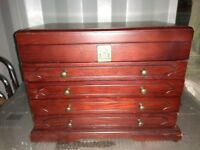 Thomas Pacconi Jewellery box with 4 drawers in good condition