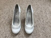 White patterned heels - size 6