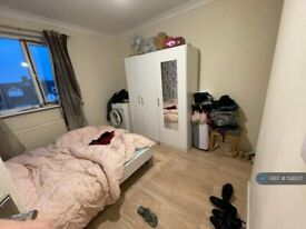 2 bedroom flat in Church Lane, London, NW9 (2 bed) (#1126137)