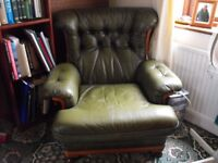 1 GREEN LEATHER ARMCHAIR, CONDITION AS SEEN, BUYER COLLECTS