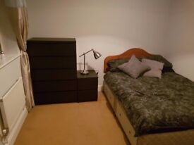Double Room within walking distance of Stoke Mandeville Station