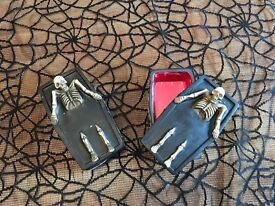 Halloween Prop Coffin x2 Skeleton Ornament