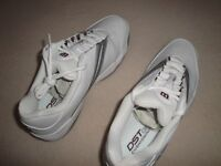 WOMEN'S WILSON PRO STAFF 710 INDOOR TRAINERS. WHITE/SILVER/MAROON. SIZE 7. NEW IN BOX