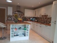 Excellent condition used modern fitted kitchen