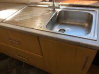 Lamona sink and tap