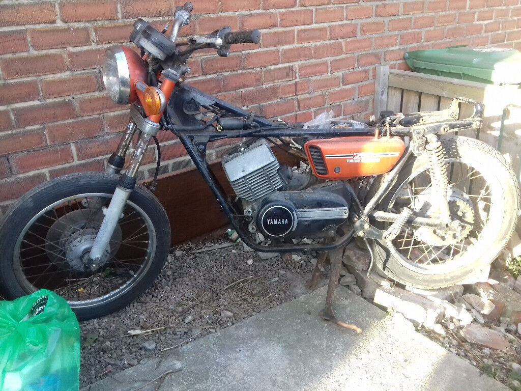 Yamaha RD250 spares/repair project.