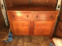 A VINTAGE/ANTIQUE SOLID OAK SIDEBOARD/DRESSER ,NICE PRE-LOVED CONDITION FREE LOCAL DELIVERY