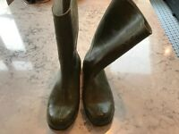 Size 10 Men's Dunlop Wellington boots
