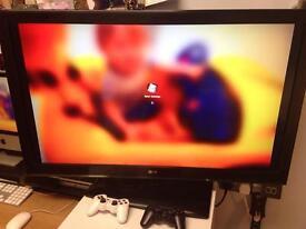 LG HD television (42CS460) 42 inches